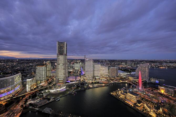 TOWERS Milight~ みなとみらい21オフィス全館ライトアップ